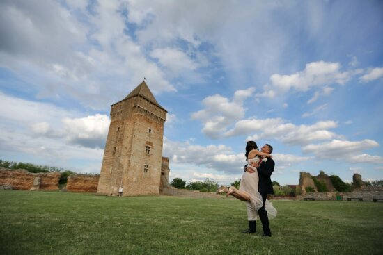 castle, tower, ruin, rampart, medieval, bride, groom, grass, architecture, fortress