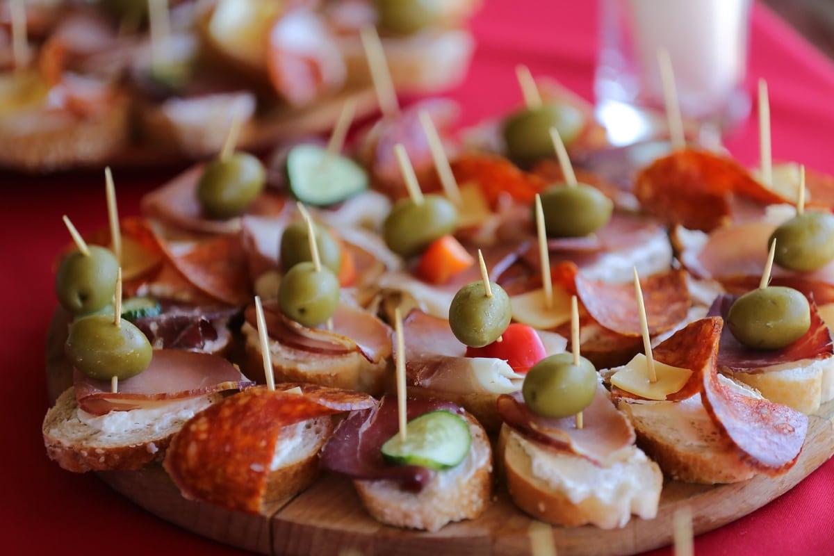 snack, fast food, ham, bread, sausage, olive, dinner, lunch, food, appetizer