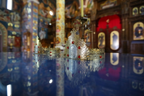 christian, crown, coronation, golden shine, indoors, gold, temple, architecture, art, religion