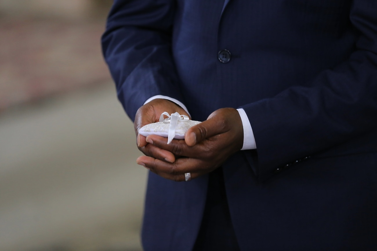 homme, bague de mariage, Holding, parrain, main, mains, doigt, entreprise, personne, humaine