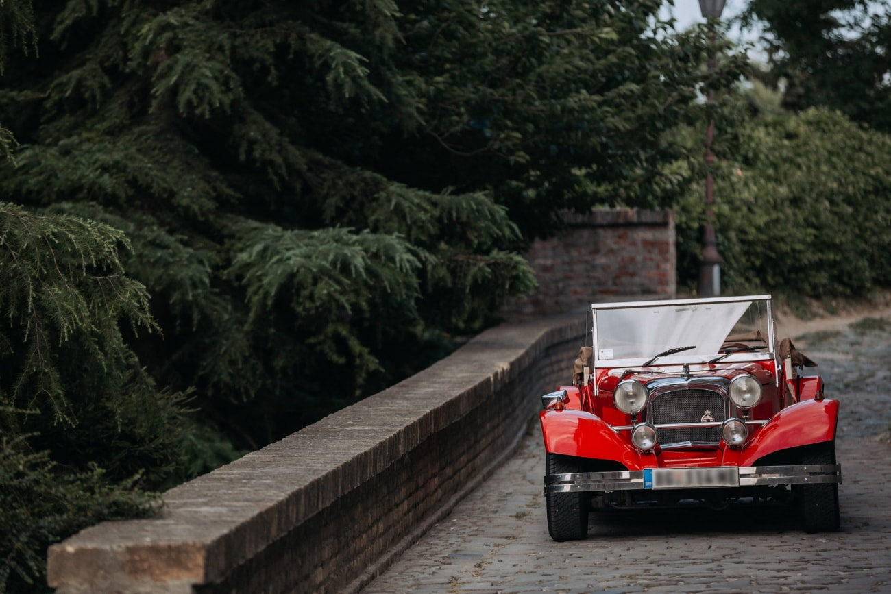 kupé, červená, staré auto, automobil, nostalgie, vozidlo, cestné, ľudia, auto, drevo