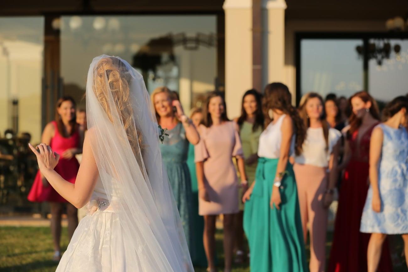 Braut, Schleier, Hochzeitskleid, Freunde, Freundin, Liebe, Hochzeit, Frau, Kleid, Shop