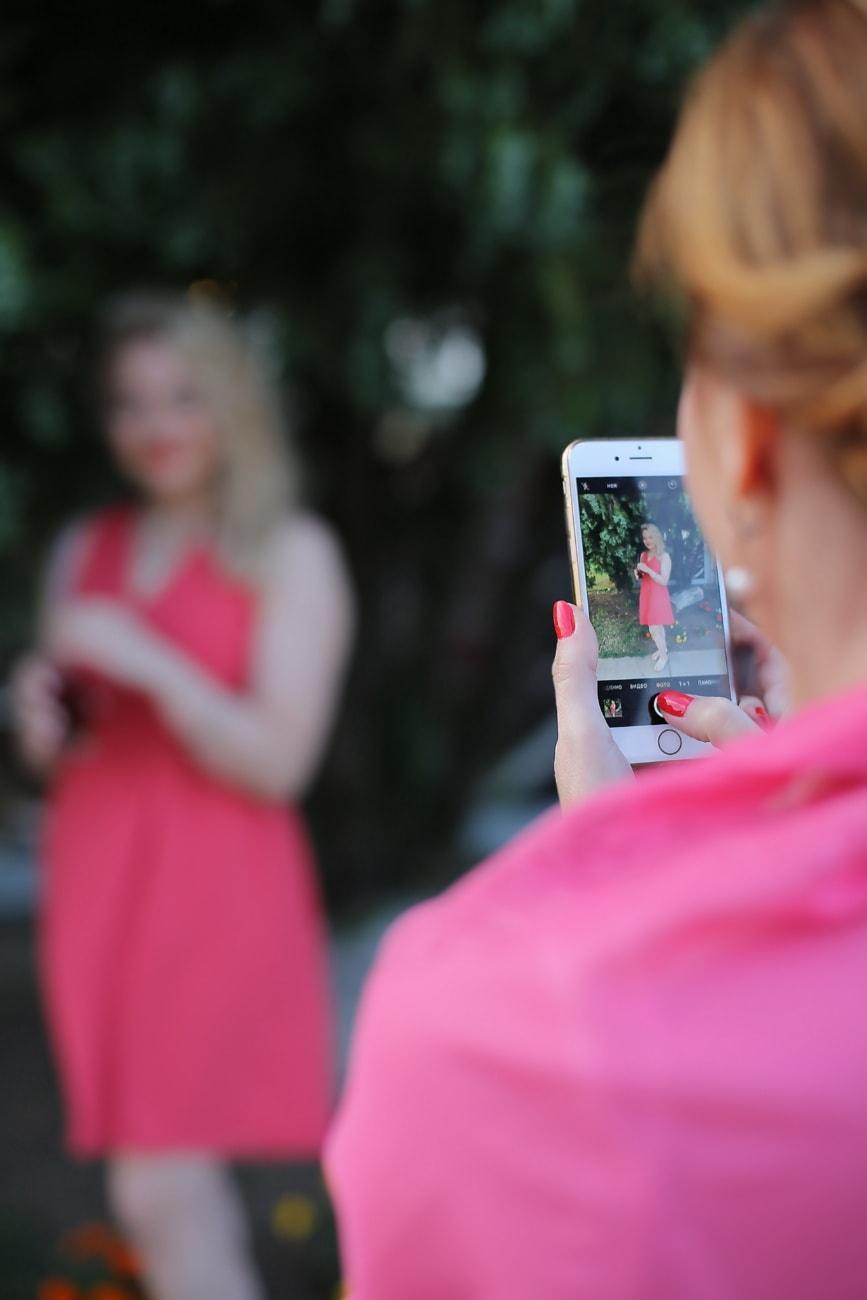 photographer, digital camera, photo, camera, cellphone, portrait, woman, outdoors, people, summer