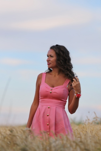 Ładna dziewczyna, atrakcyjne, wspaniały, zwijać, fryzurę, różowawy, sukienka, ładny, modelu, natura