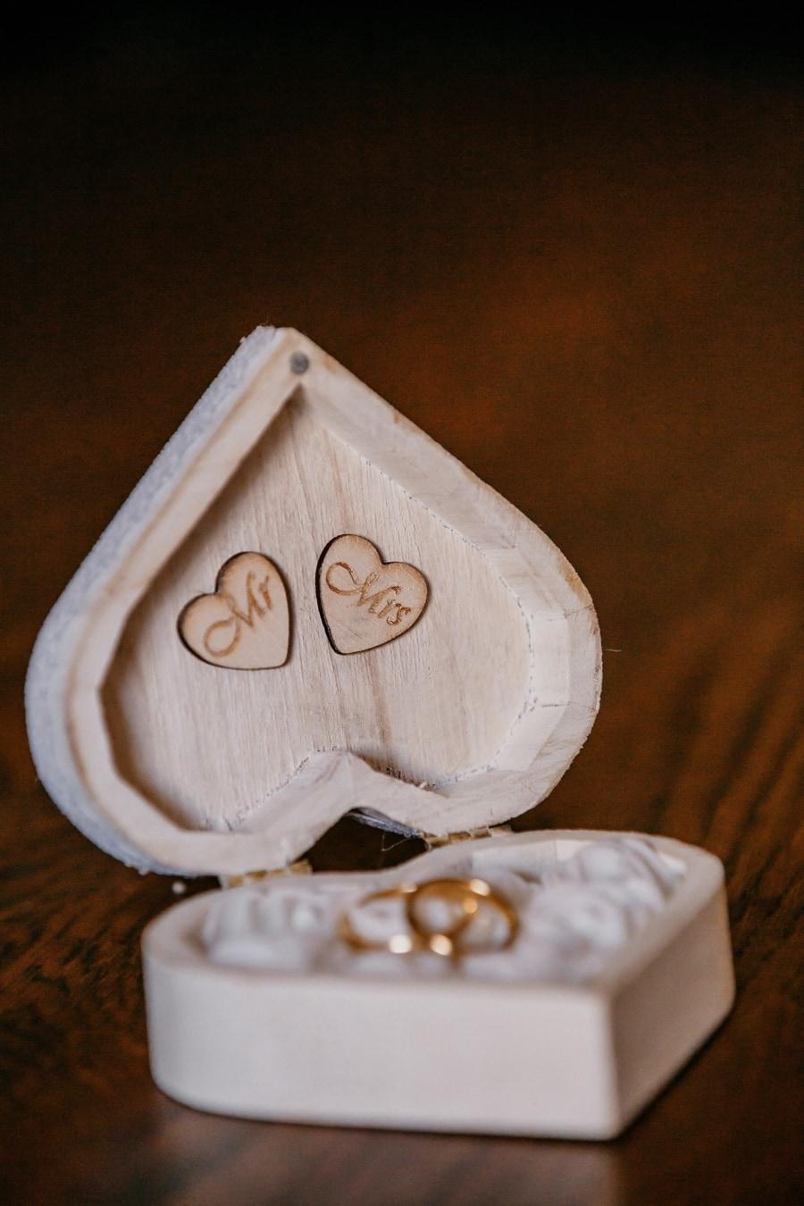Herz, Form, im Feld, Ehering, Schmuck, Ringe, Liebe, handgefertigte, Still-Leben, Romantik
