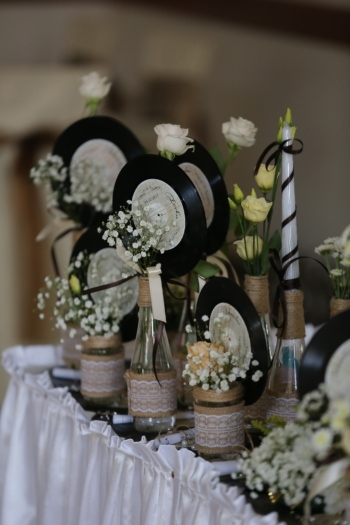 decoration, vinyl plate, nostalgia, flower, vase, elegant, indoors, luxury, interior design, still life