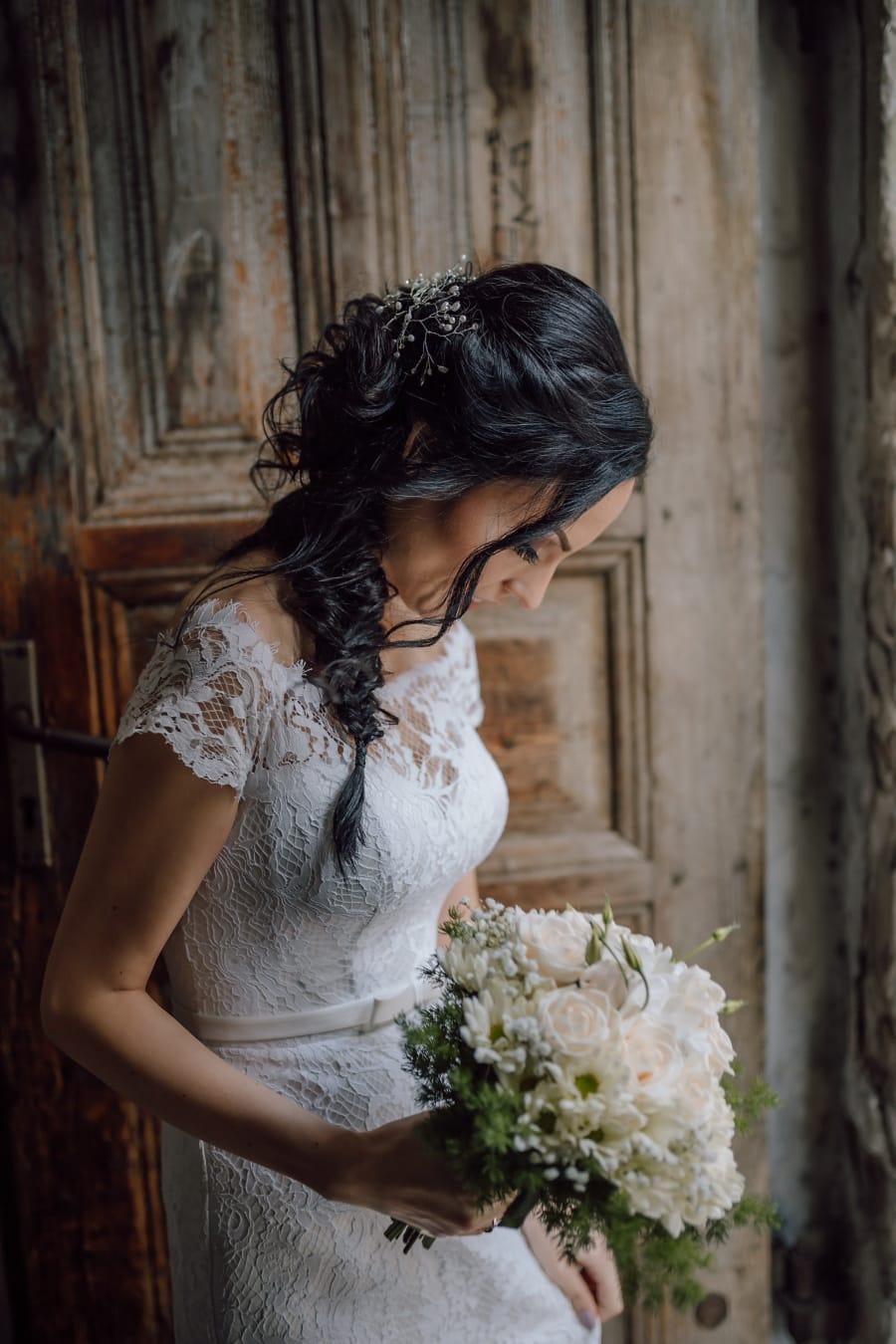 gorgeous, glamour, pretty girl, entrance, front door, wedding dress, bride, fashion, dress, flowers