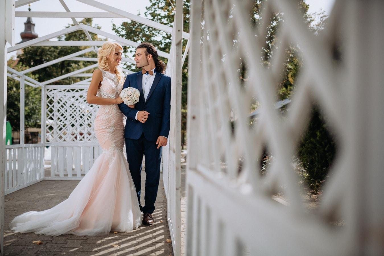 newlyweds, wedding venue, bride, outdoors, glamour, wedding, marriage, engagement, love, girl