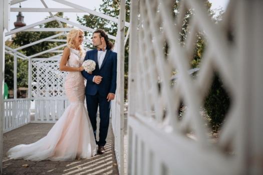 jeunes mariés, salle de mariage, la mariée, à l'extérieur, charme, mariage, mariage, engagement, amour, jeune fille