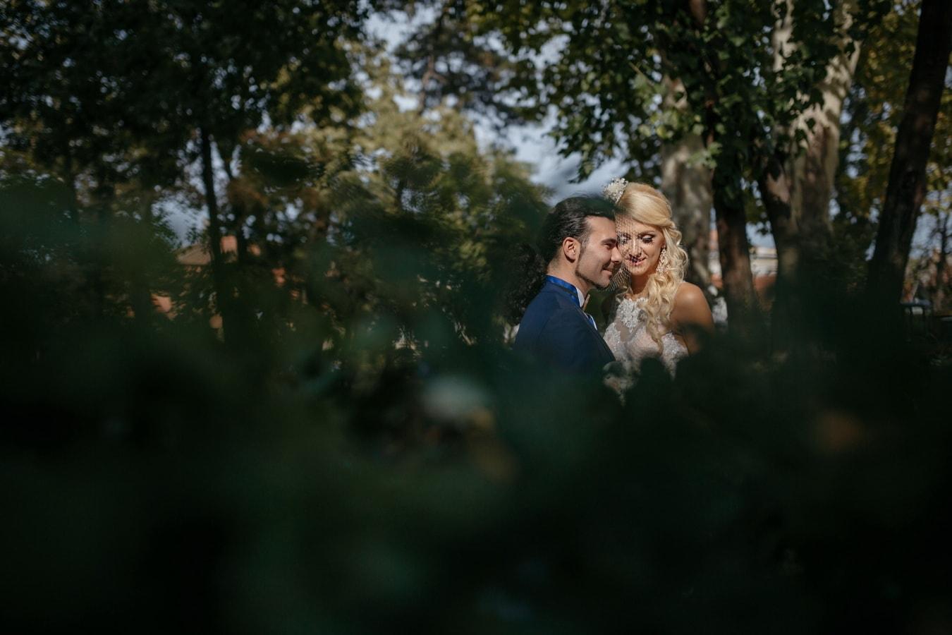 petit ami, Jolie fille, amour, Dame, étreindre, en plein air, parc, gens, jeune fille, femme