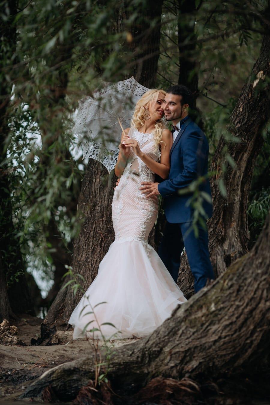 Braut, Bräutigam, frisch verheiratet, Mode, Glanz, Wald, Hochzeit, Ehe, Engagement, Liebe