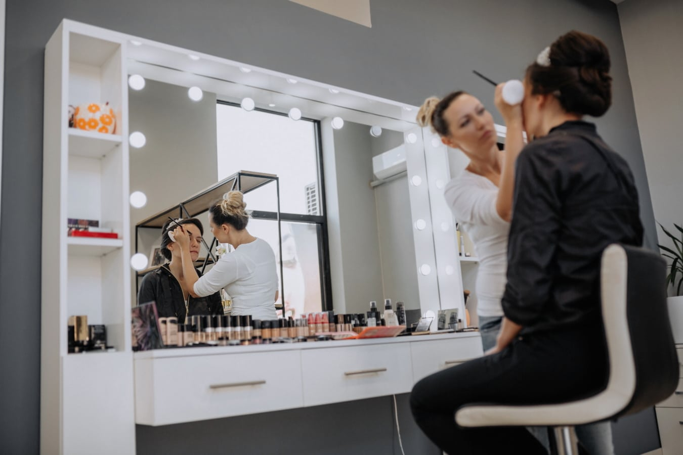Wohnzimmer, Kunden, Shop, Kosmetik, Krämer, Geschäftsfrau, drinnen, Spiegel, Friseur, Frau