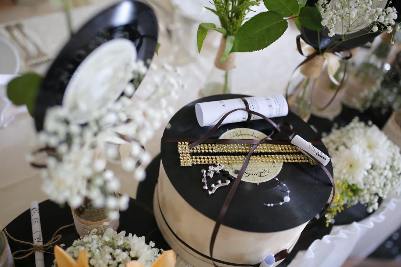 Geschenke, Nachricht, Schmuck, Valentinstag, Schallplatte, Erinnerungsstücke, Nostalgie, elegant, Luxus, Interieur-design