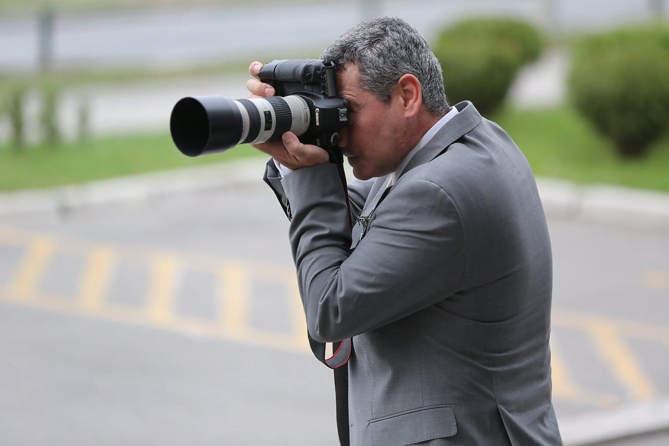 Zoomen, Kamera, Paparazzi, professionelle, Smokinganzug, Fotograf, Digitalkamera, Mann, Porträt, im freien