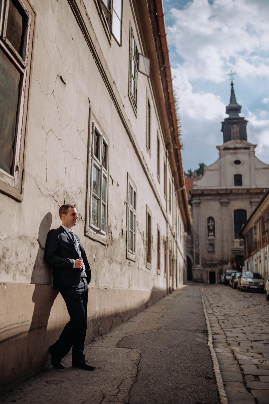 Laki-laki, jalan, berdiri, lama, Kota, arsitektur, gereja, agama, bangunan, Menara