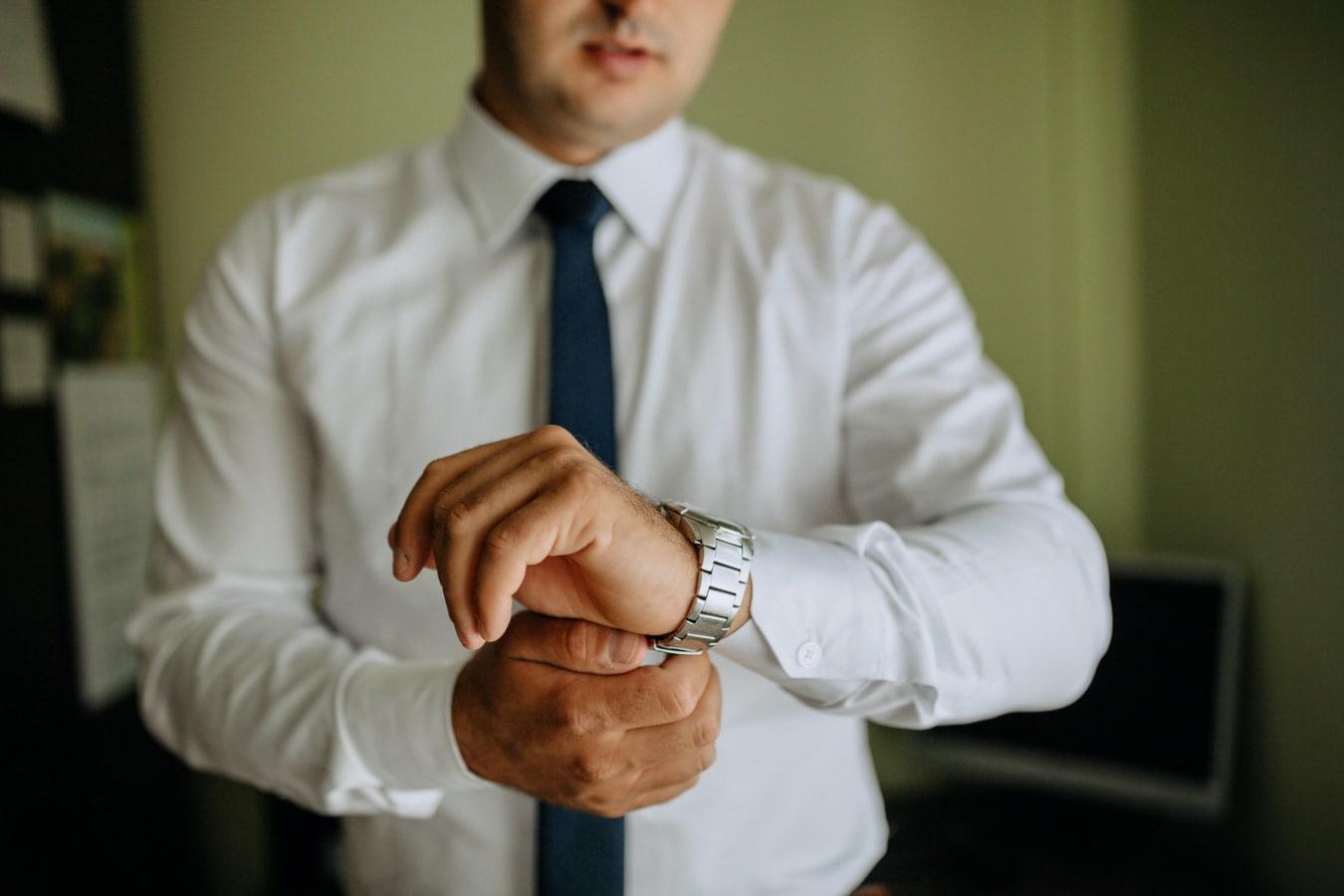 shirt, tie, wristwatch, businessman, textil, clothes, person, man, indoors, people