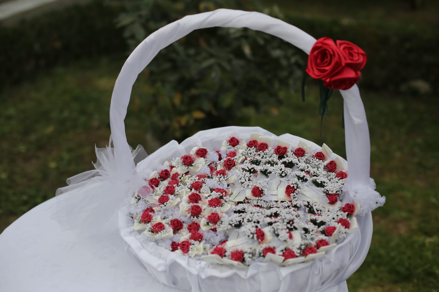 wicker basket, silk, roses, miniature, flowers, flower, romance, rose, ceremony, decoration