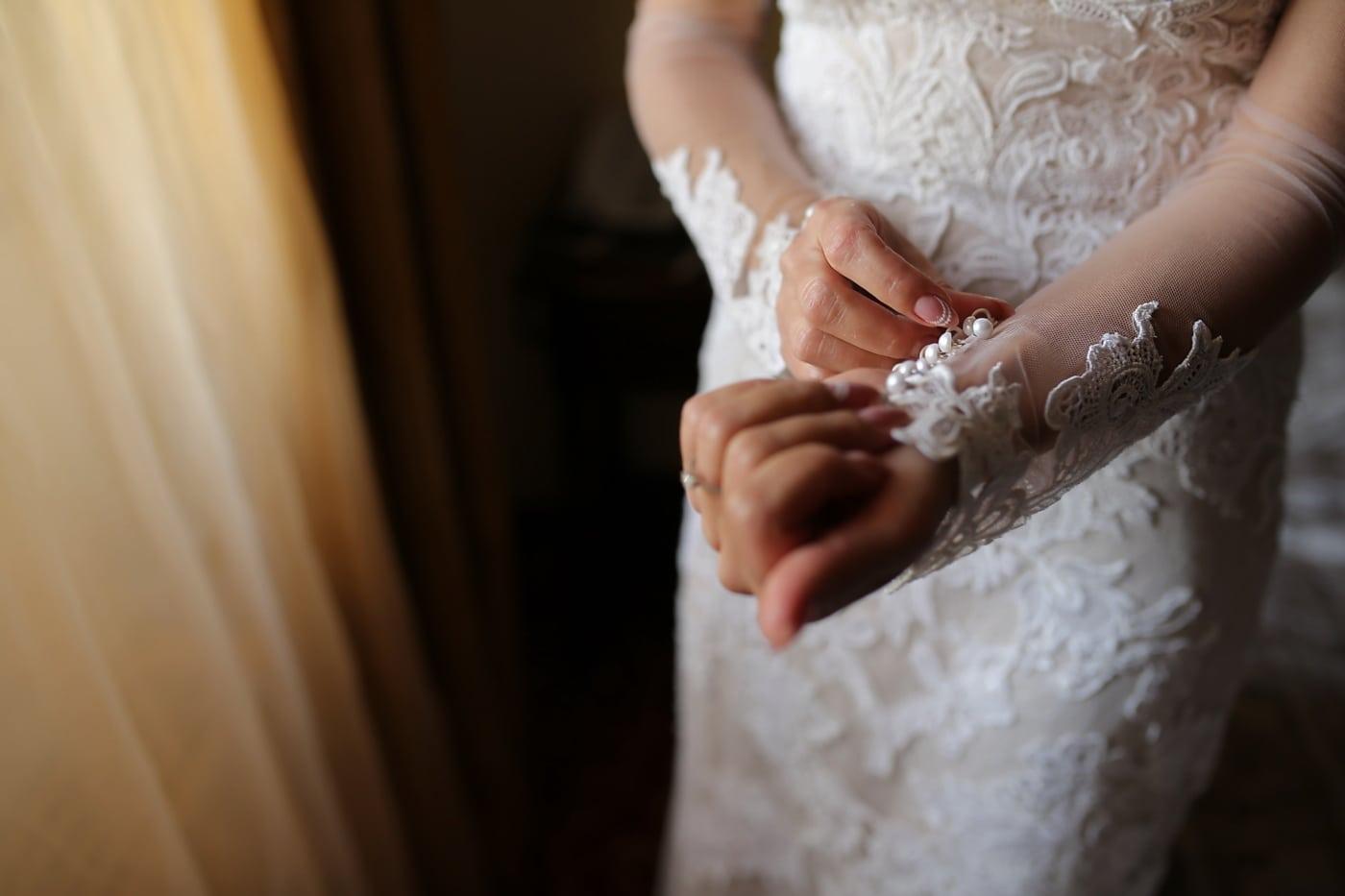 mains, la mariée, Touch, robe de mariée, charme, mariage, femme, à l'intérieur, engagement, aube