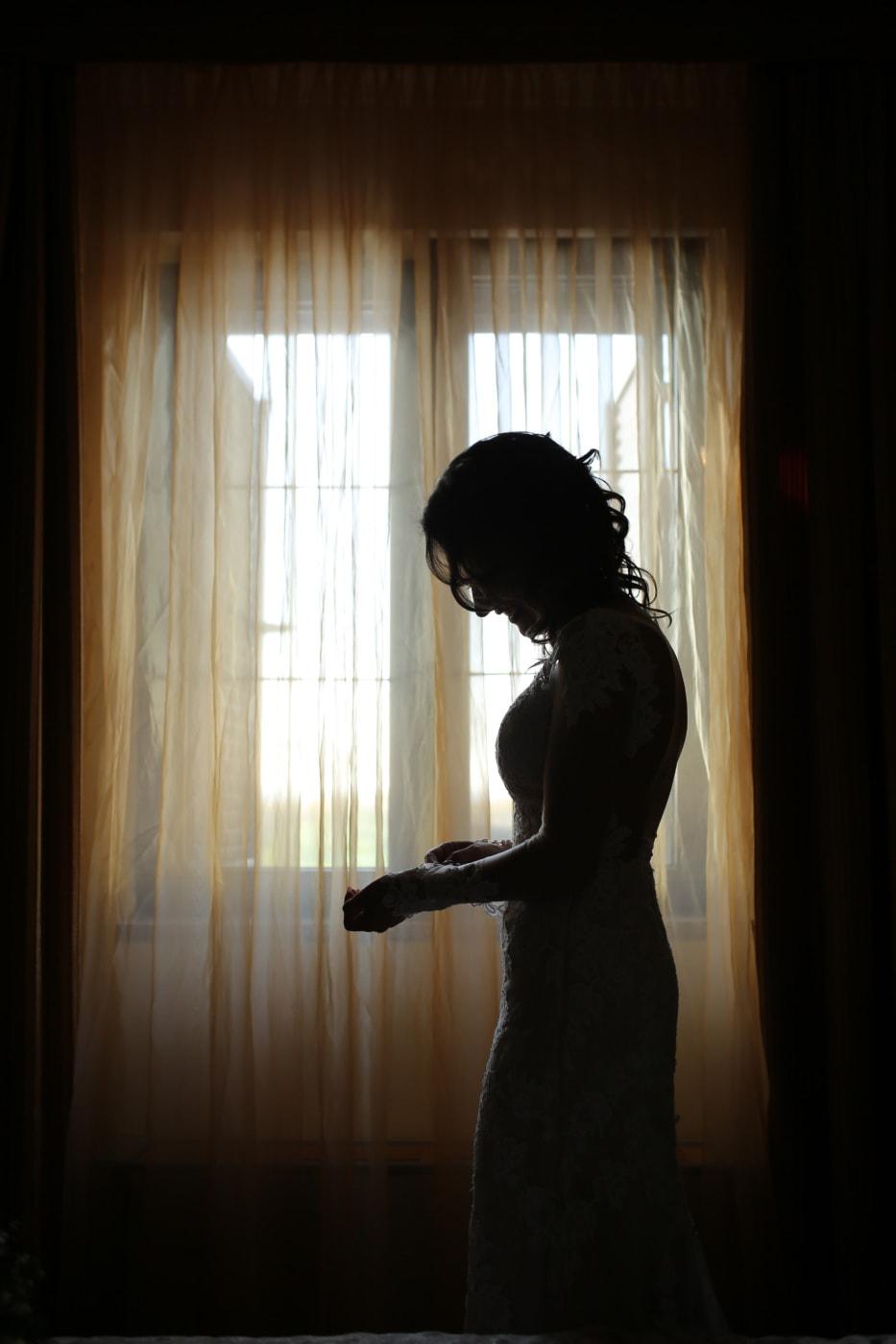 alleen, jonge vrouw, depressie, emotie, verdriet, duisternis, slaapkamer, schaduw, venster, Gordijn