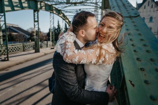Liebesbeziehung, Liebhaber, Glück, Freundin, Lächeln auf den Lippen, heiter, Spaß, Genuss, Liebe, Frau