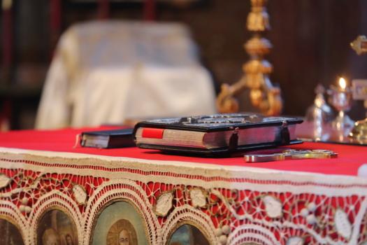 kirjat, Raamattu, uskonto, kristinusko, kirkko, kovakantinen, pöytä, perinteinen, Sisustussuunnittelu, loma