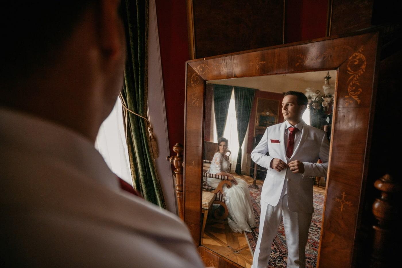 стоячи, Спальня, людина, жінка, сидячи, салон, дзеркало, відбиття, портрет, кімната