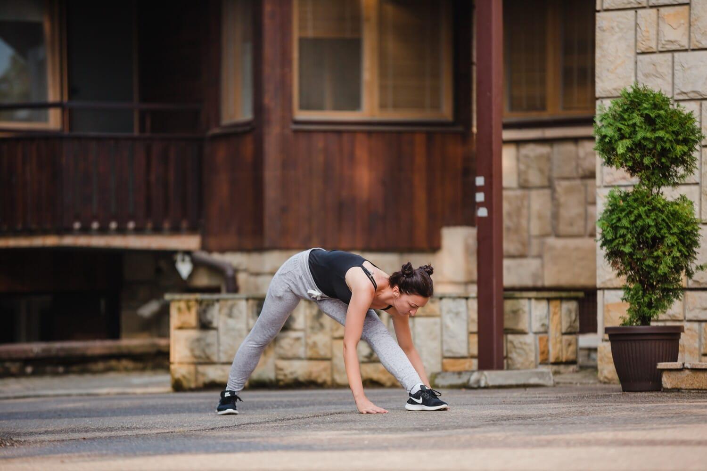 junge Frau, sportlich, Fitness, Übung, Bewegung, Stadtregion, Sport, Straße, Porträt, Architektur