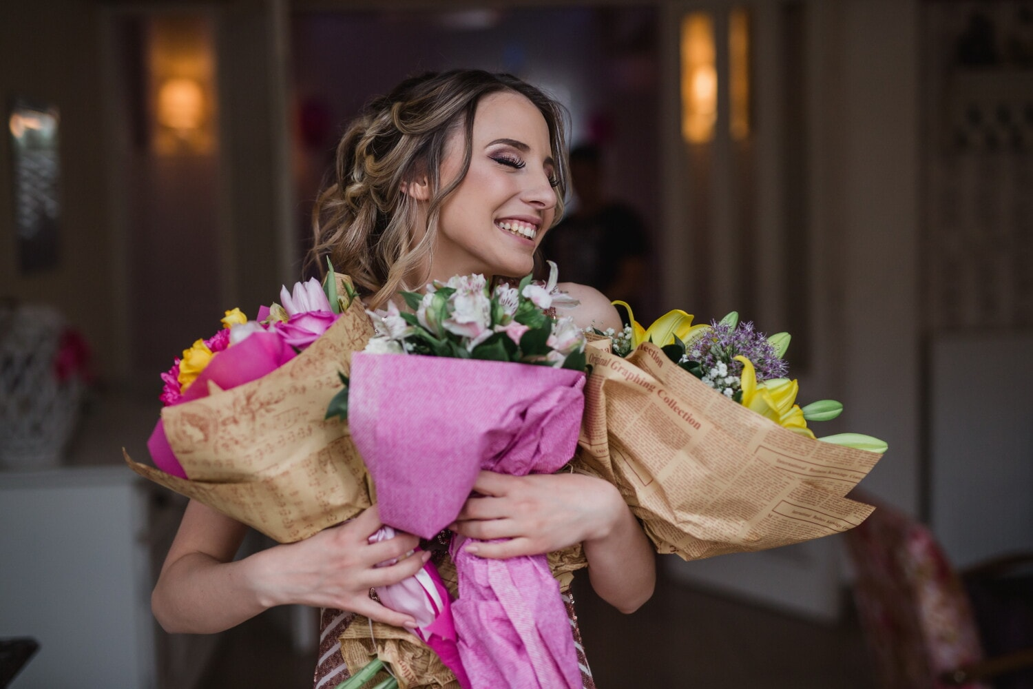 gifts, flowers, young woman, enjoyment, smiling, happiness, cheerful, woman, wedding, fashion