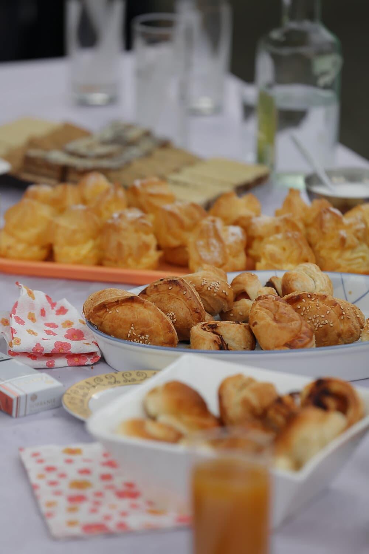 banquet, biscuit, butter, breakfast, fruit juice, meal, plate, food, delicious, indoors