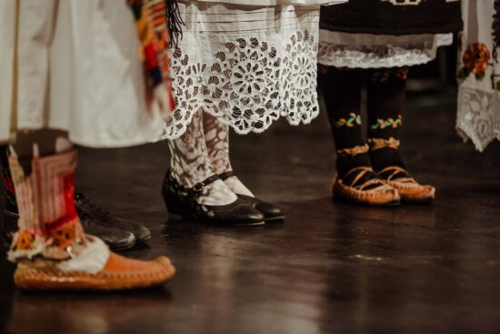 jupe, chaussures, robe, tradition, Outfit, traditionnel, chaussures, couvrant, chaussure, pied