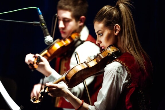 Geige, hübsches mädchen, Spotlight, Konzertsaal, Mann, Konzert, Musik, Performance, Musiker, Instrument