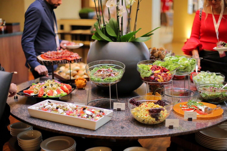 kitchen table, buffet, people, kitchen, banquet, salad, salad bar, lunch, cooking, restaurant