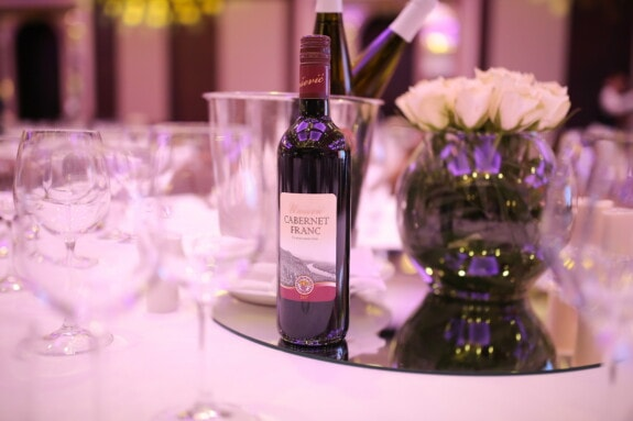 bottle, red wine, dinner table, vase, elegant, fancy, glass, wine, drink, wedding