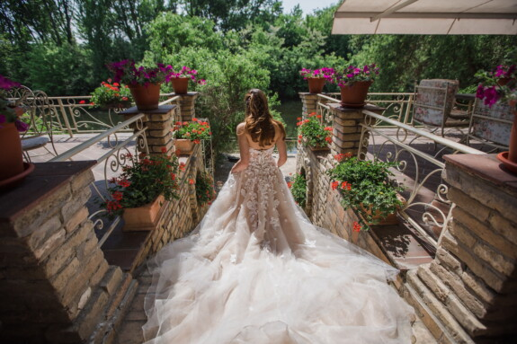 bride, walking, wedding dress, balcony, flower garden, terrace, wedding, bouquet, groom, flower