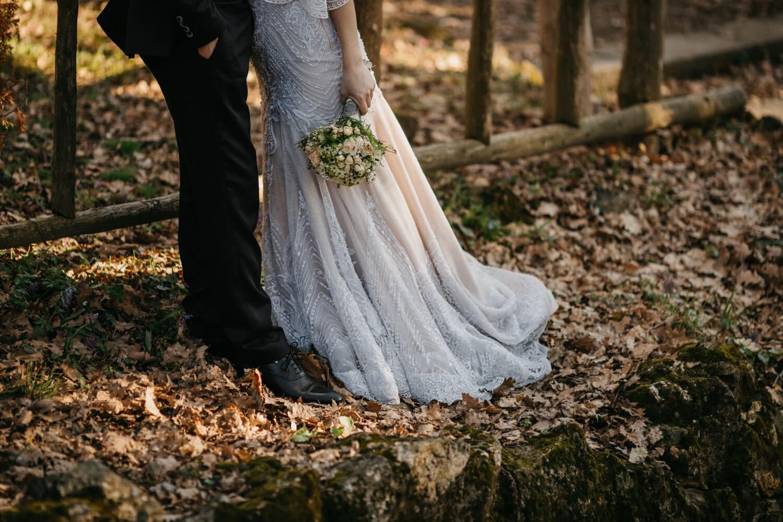 vestido de novia, abrazos, recién casados, Otoño, romance, novio, boda, amor, chica, matrimonio