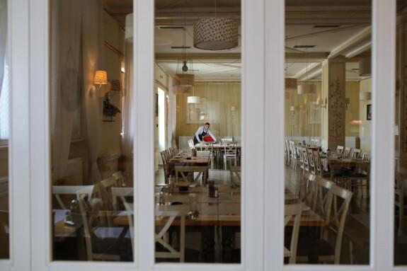 am Arbeitsplatz, Barmann, Cafeteria, Restaurant, leere, Zimmer, drinnen, Fenster, Sitz, Architektur