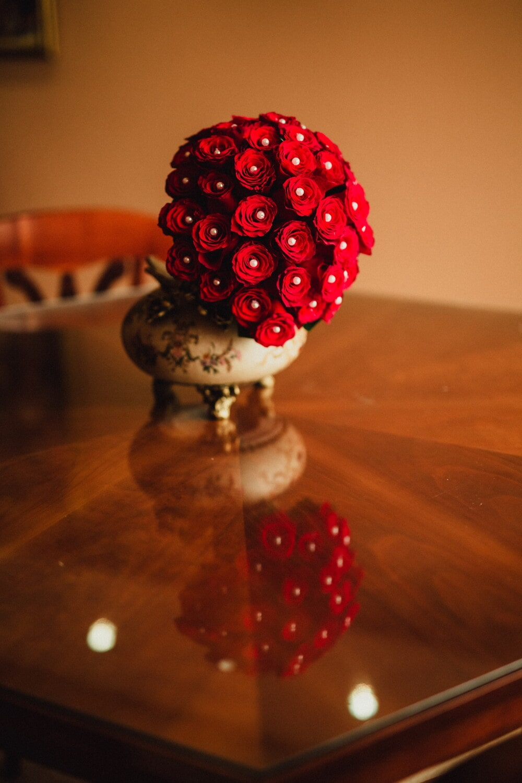 baroque, style, interior design, table, bouquet, vase, still life, decoration, color, indoors