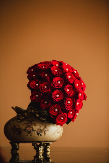 still life, red, bouquet, pearl, flower, art, rose, vintage, beautiful, decoration