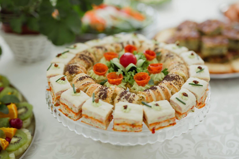 Snack, Wüste, vom Buffet, Backwaren, kekse, Salat, Mittagessen, Restaurant, Essen, Gericht