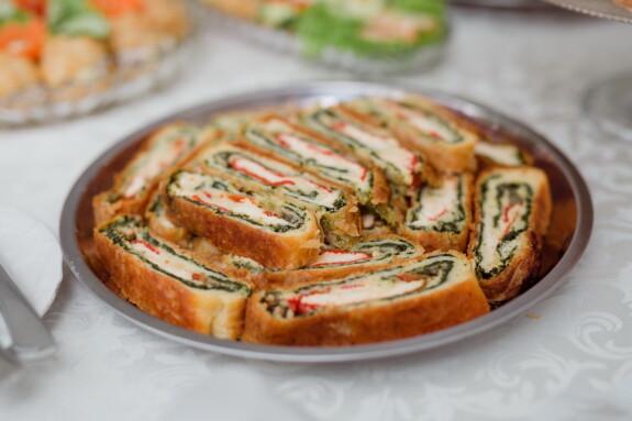 pie skare, spinat, hunden, bakervarer, ost, deilig, middag, lunsj, mat, måltid