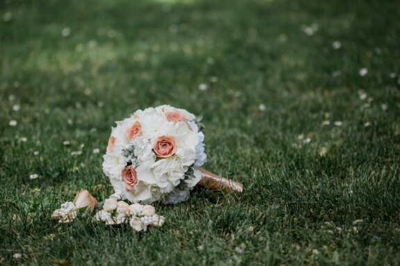 green grass, lawn, wedding bouquet, grass, nature, flower, field, rose, garden, wedding