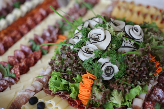 appetizer, buffet, appetite, salad, meat, decoration, salami, radish, lettuce, cheese