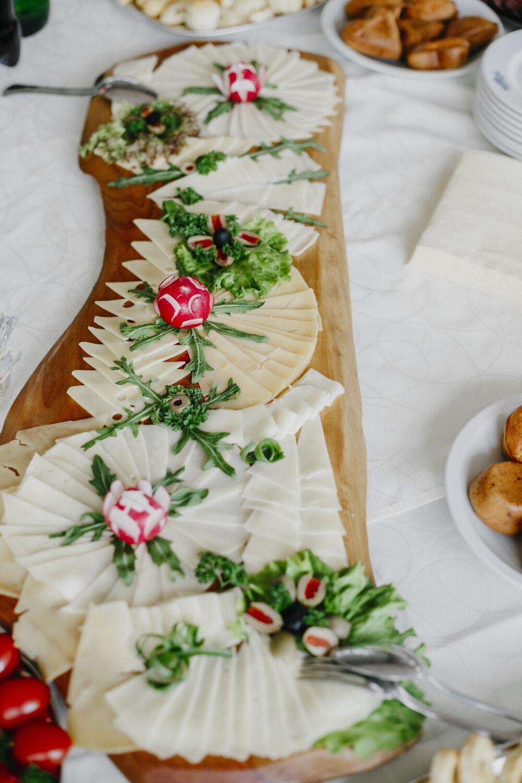 produits de boulangerie, radis, tranches de, fromage, buffet, alimentaire, mouchoir, plaque, repas, délicieux