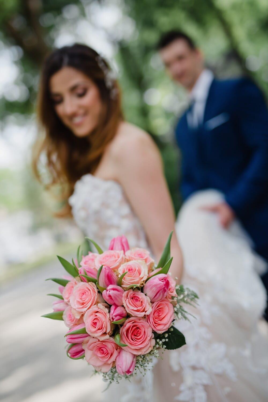 Холдинг, булката, сватбен букет, щастие, младоженец, сватба, женен, цветя, рокля, брак