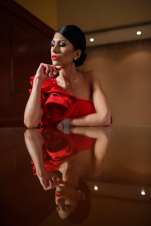 Porträt, Dame, Glanz, Outfit, Make-up, sitzen, Denken, attraktiv, Modell, Mode