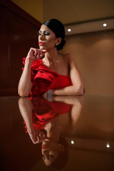 portrait, lady, glamour, outfit, makeup, sitting, think, attractive, model, fashion
