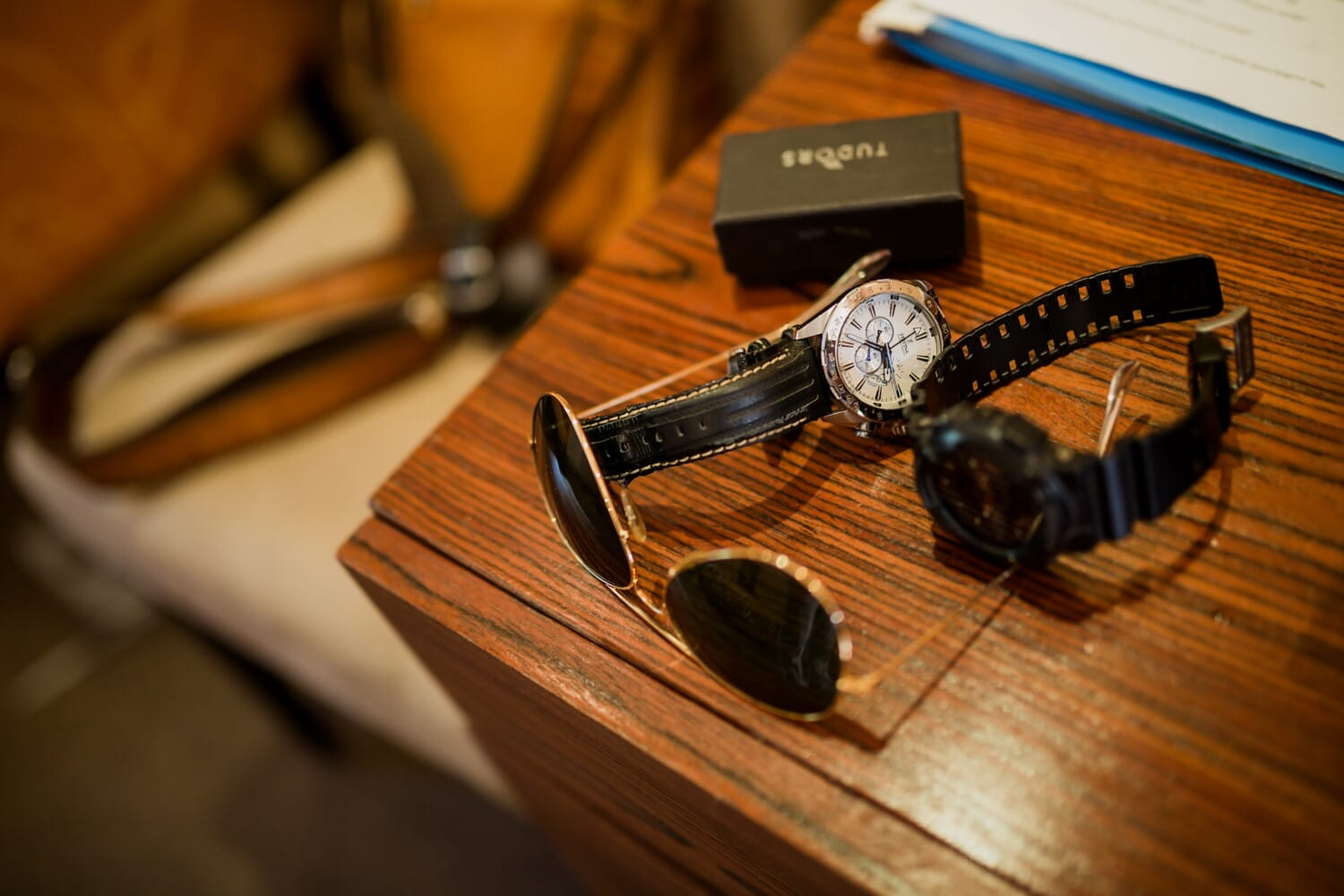fashion, clock, fancy, sunglasses, office, workplace, table, time, device, wood