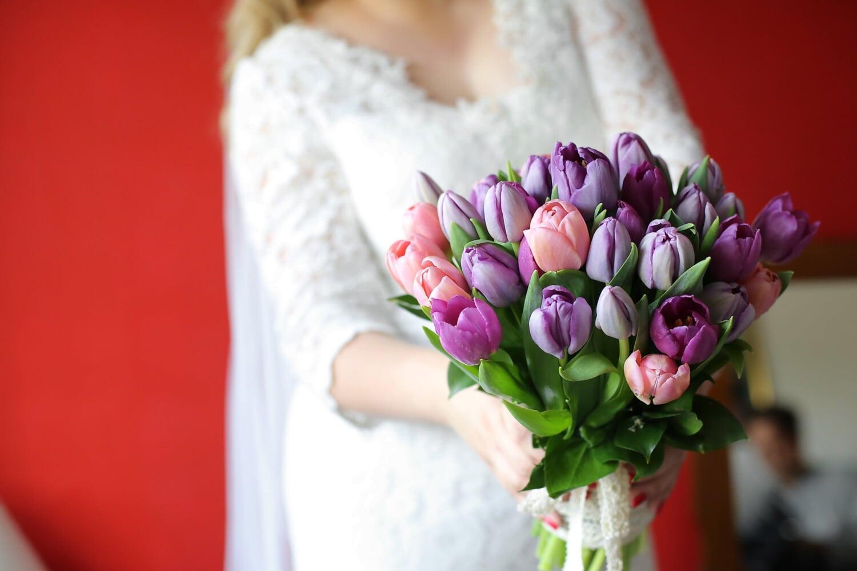 Braut, Hochzeitsstrauß, halten, Tulpen, Blumenstrauß, lila, Romantik, Blume, Hochzeit, Bräutigam