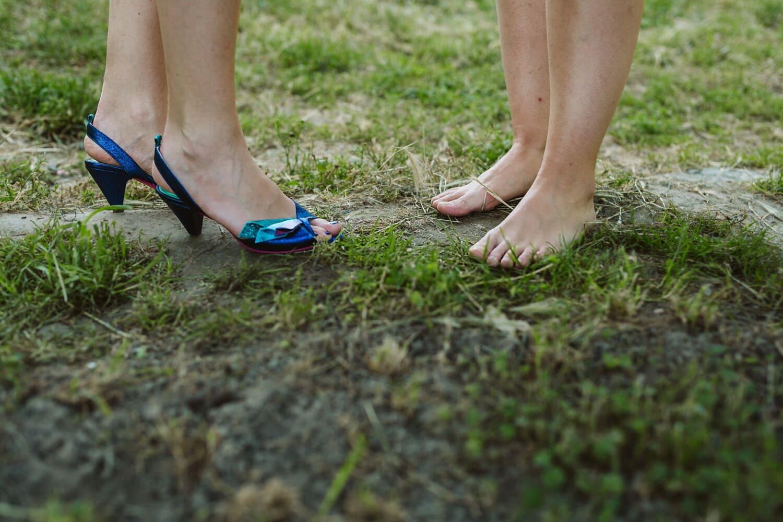 barfuß, Frauen, Boden, Gras, Fersen, Sandale, Haut, Beine, Schuhe, Mädchen