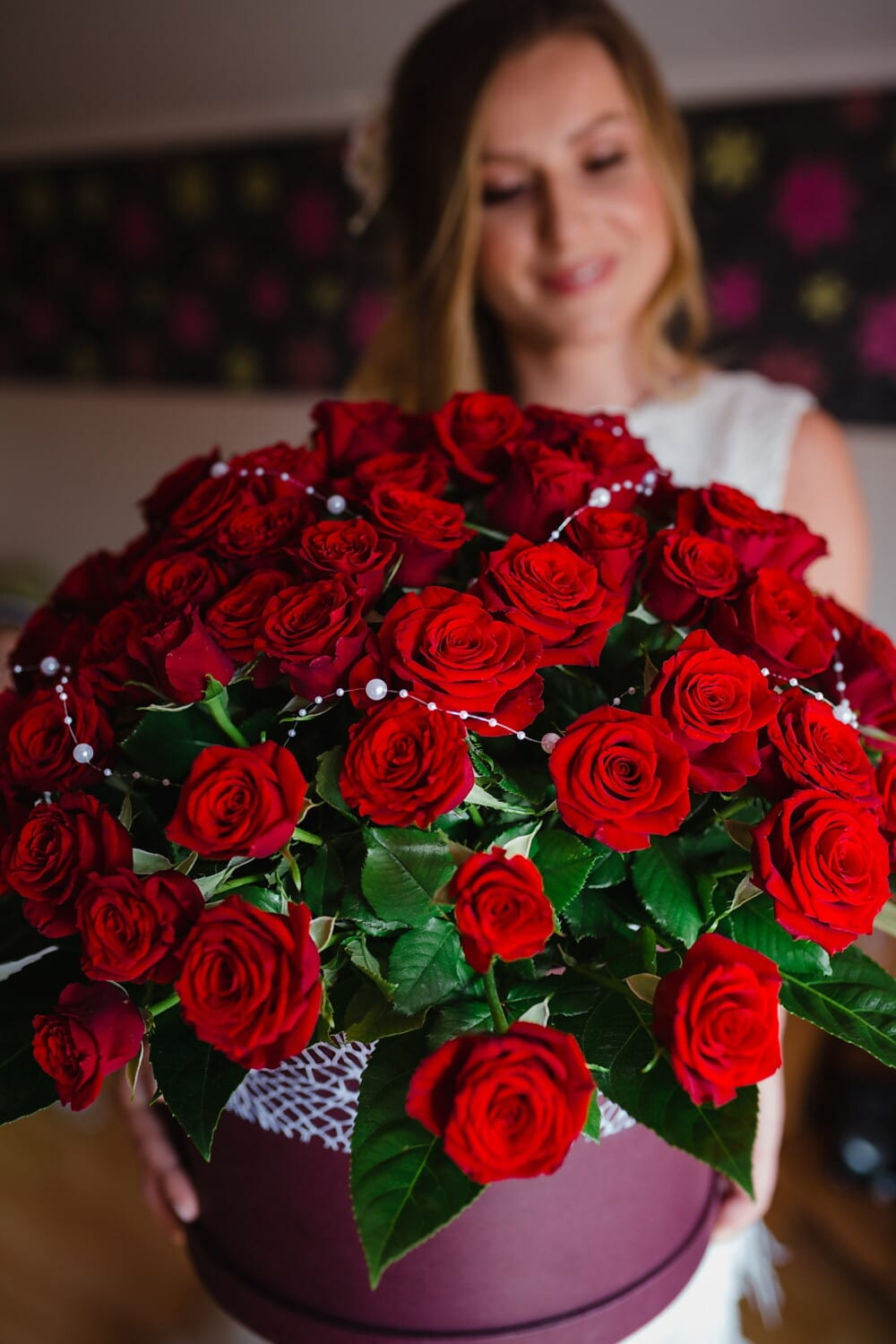 bouquet, gifts, roses, red, girlfriend, happiness, rose, love, arrangement, decoration